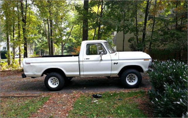 Run: 1978 White Ford truck